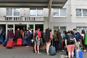 FY18 BPYO Tour - Hotel Check In (credit - Paul Marotta)