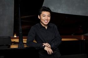 GeorgeLi-pianist3-photocreditSimonFowler.jpg