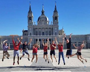 BPYO players jump for joy in Madrid (Phillip Wikina)