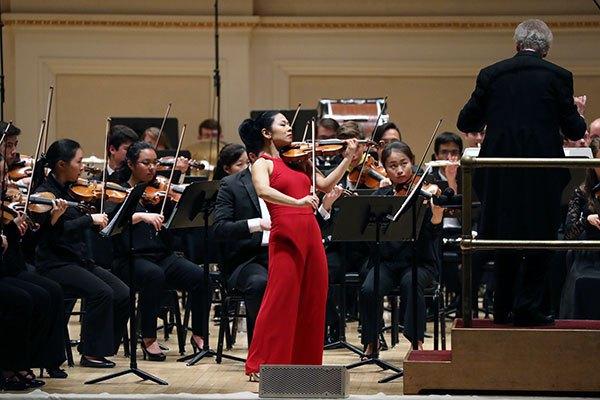 BPYO & soloist Ayano Ninomiya, Carnegie Hall (Steven Eliopoulos)